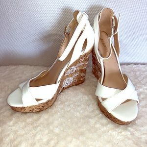 Jasmine white wedge sandal size